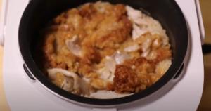 炊き上がったケンタッキーフライドチキン炊き込みご飯